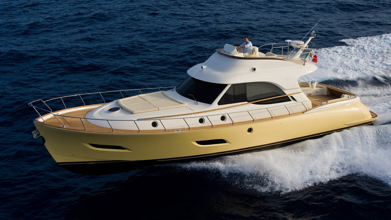 Pivatus Yachting | Dolphin 54' Fly